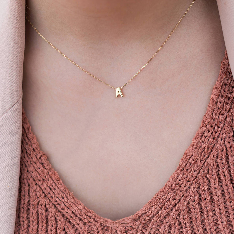 Womens Alphabet Necklace A-Z Female Simple Clavicle Chain Pendant Necklace Lady Girls Wedding Jewelry Birthday Anniversary
