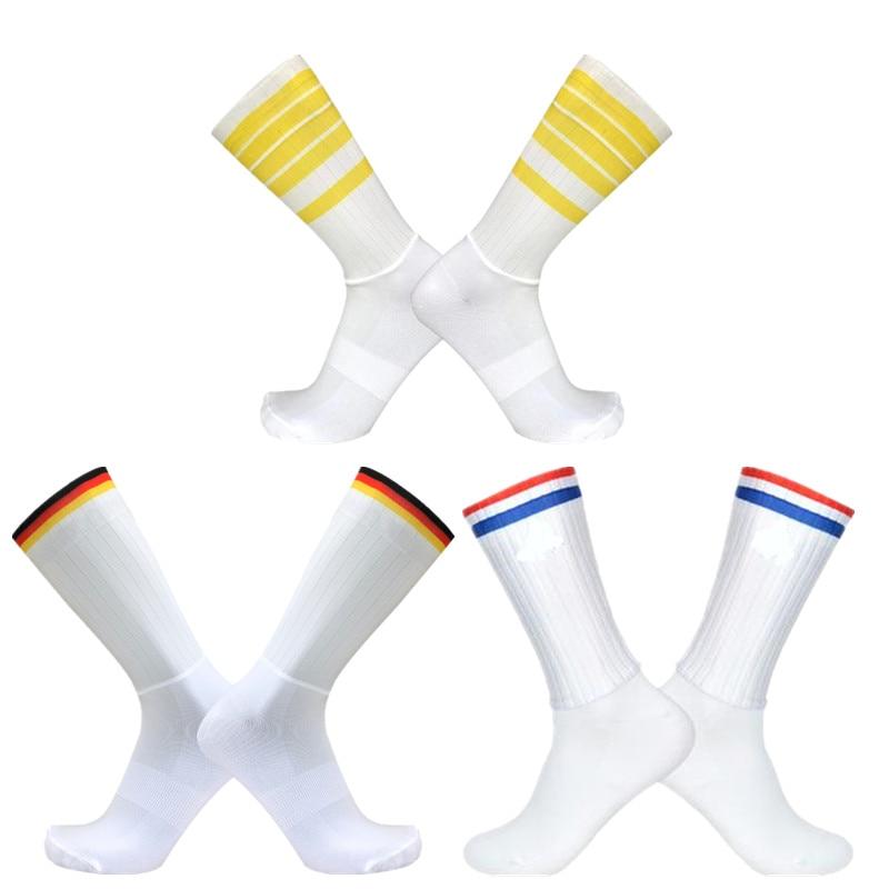 New Anti Slip Seamless Cycling Socks Striped Aero Socks Ntegral Moulding High-tech Bike Team Sock Men