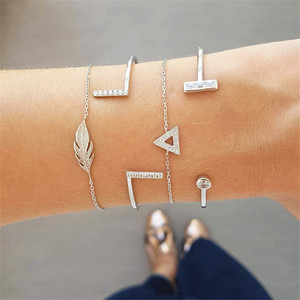4 Pcs/set Multilayer Adjustable Open Bracelet Set Punk Geometric Crystal Triangle Feather Bracelet Women Party Jewelry Gift