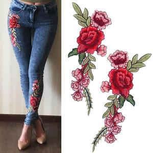 New Brand Roses/Butterfly Flowers Embroidery Sew On Patches Sewn Applique Sew Badge Craft Embroidered DIY For Clothes Trousers