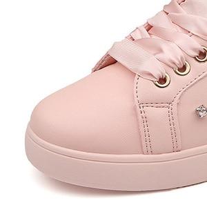 Image 3 - Zapatillas de deporte de moda para mujer, zapatos planos con diamantes de imitación, informales, suaves, de marca, rosa, negro, blanco, ZH2656, 2020