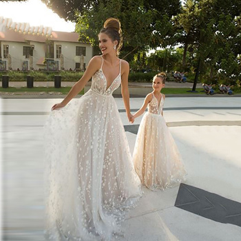 Eightree Lace Wedding Dresses Princess V Neck 3D Appliques Beach Boho Mother Daughter Dresses Sleeveless Wedding Gowns Custom