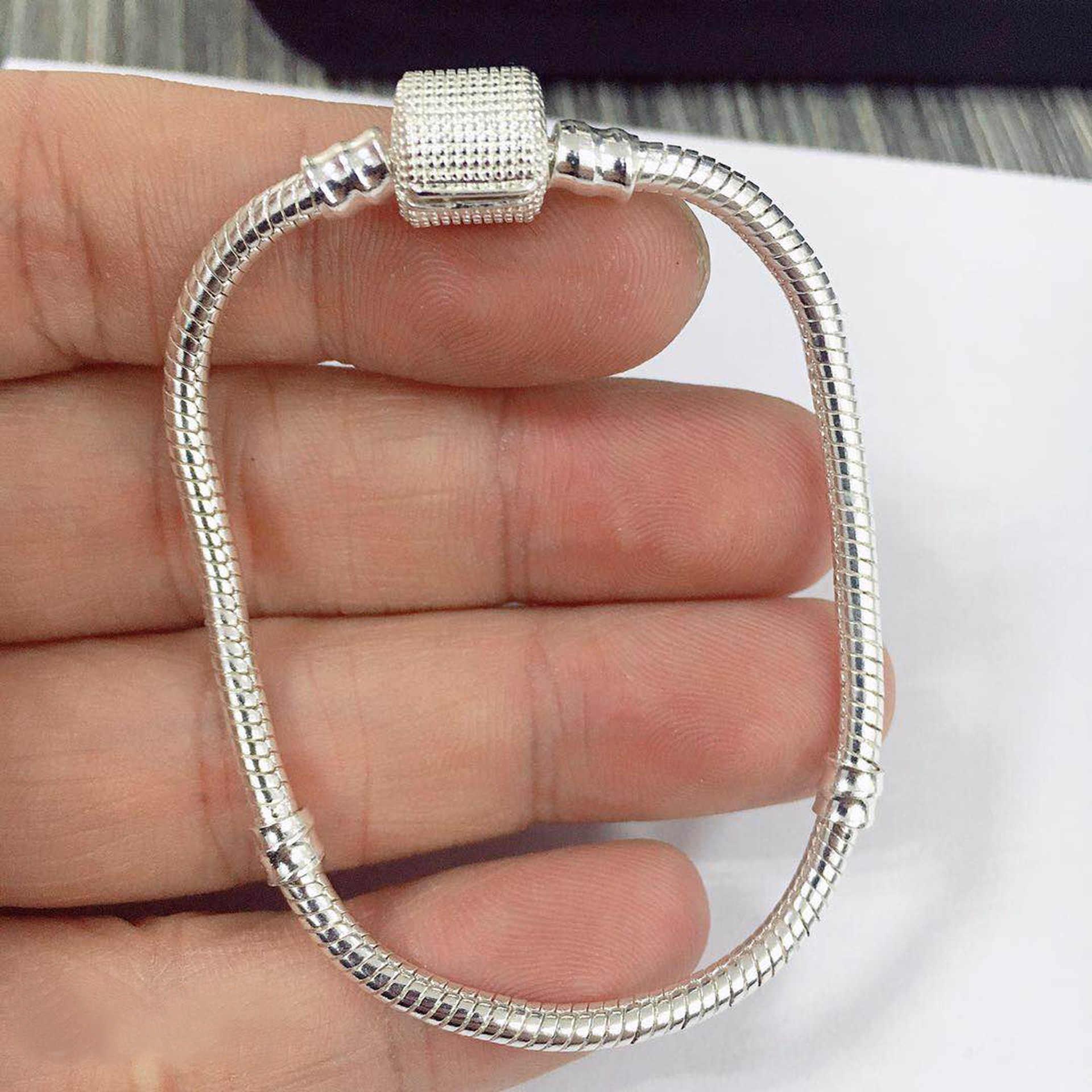 90% OFF ขายใหญ่ 925 Sterling Silver Charm สร้อยข้อมือสำหรับผู้หญิง DIY เครื่องประดับสร้อยข้อมือกระดูกกำไลข้อมือทำของขวัญ