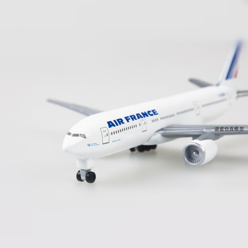 Alloy France Air B777 Airways Boeing Aircraft Model Plane 13cm Metal Airlines Airplane with Wheels Collection Gift children Toys image