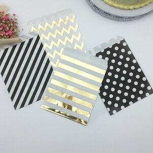 Image 2 - 100pcs מעורב שחור וזהב מנוקדת שברון פסים נייר שקיות פינוק גודי בעד שקיות לחתונה יום הולדת סוכריות מתוק אריזה