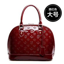 Embossed Patent Leather Shell Bag Female 2020 New Winter Shoulder Bag European And American Messenger Bag цены