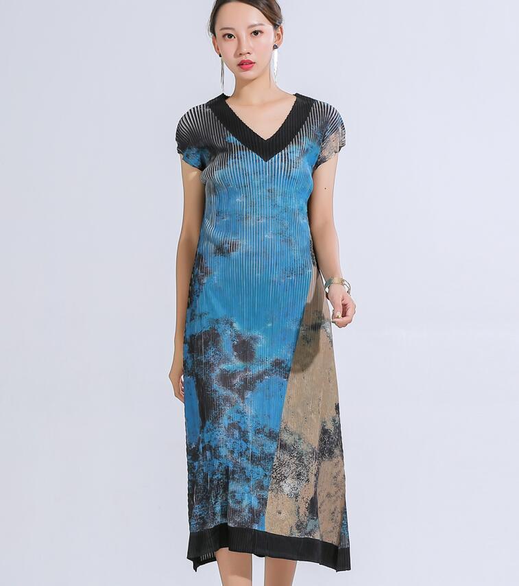 Nouveau miyake pli grande marque Design numérique imprimé robe minceur col en v longue robe livraison gratuite