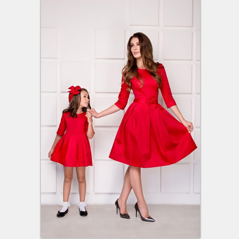 Mother Daughter Matching Clothes Ladies Baby Girl Dress Mother Daughter Mommy And Me Dresses O-neck Five Sleeve Family Clothes