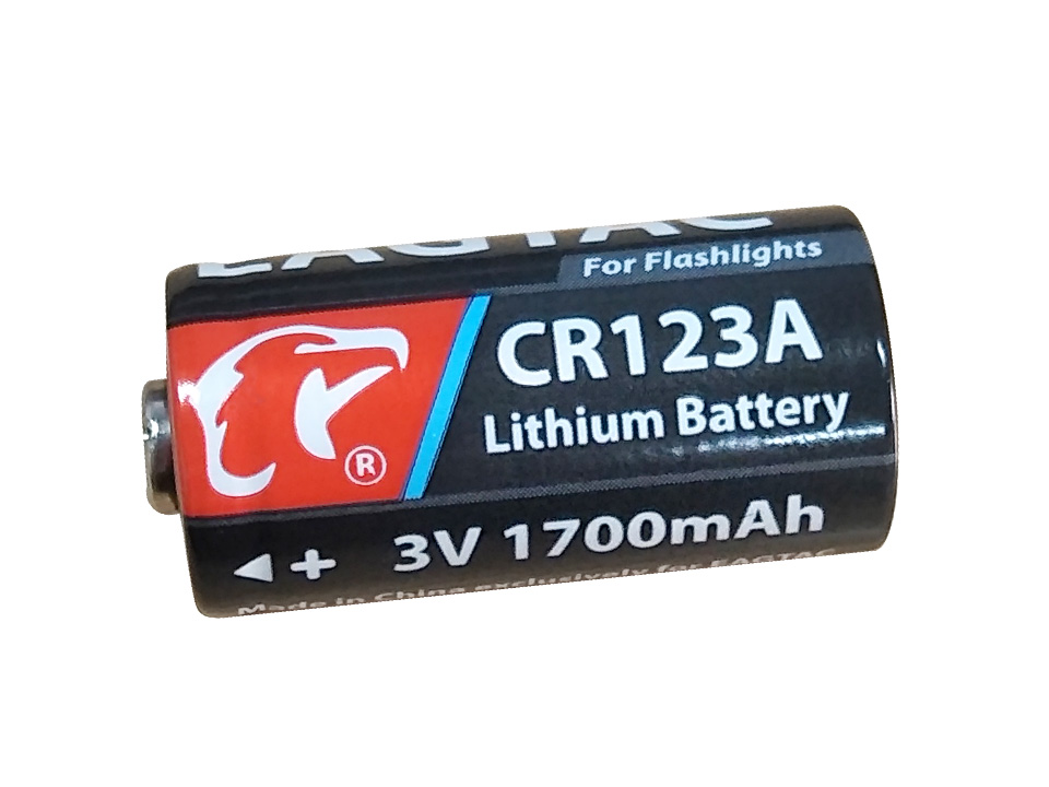EAGTAC CR123A 3V 1700mAh Battery For LED Flashlight Digital Camera (Sell With Flashlight ONLY)