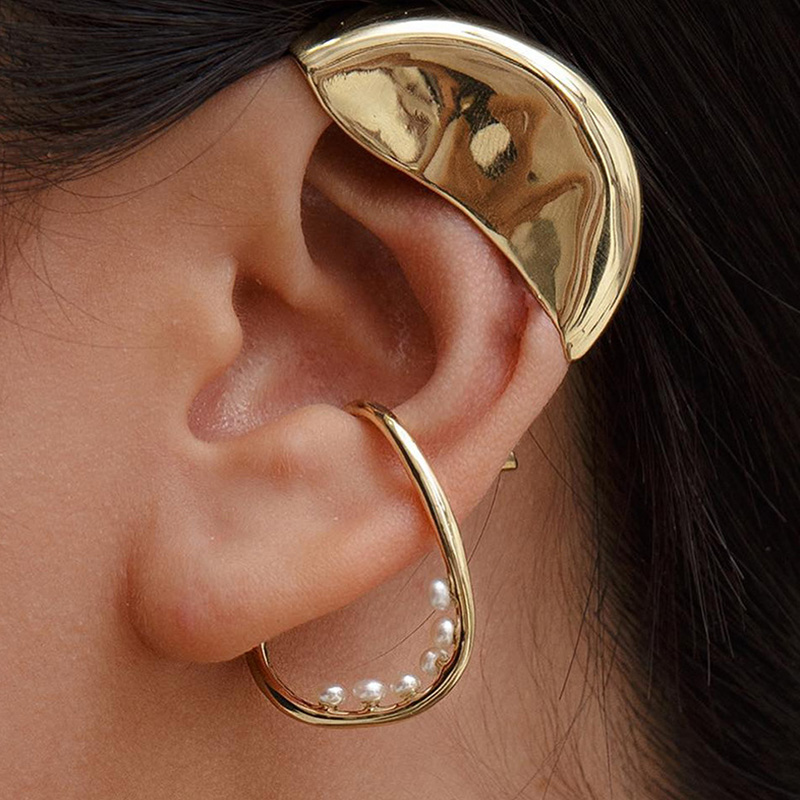 AOMU 2019 New Irregular Triangle Stereoscopic Beads No Piercings Required Ear Bone Clip Earring Jewelry For Women Party Gift