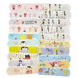 100Pcs Cartoon Waterproof Bandage Band-Aid Hemostatic Adhesive Aid Waterproof First Aid Emergency Kit for Kids Adhesive Bandage