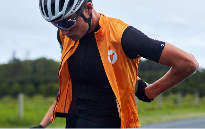 2020 New Lightweight Men's Cycling Vest Windproof Gilet All Season Need One Easy To Carry Orange And Black Color