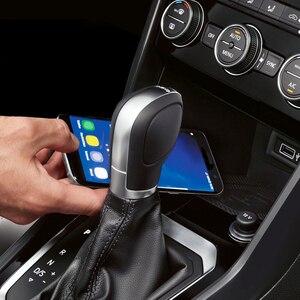 Image 2 - 10 вт автомобильное беспроводное зарядное устройство QI, беспроводное зарядное устройство для мобильного телефона, автомобильные аксессуары для VW T roc Teramont Phideon для Jetta 2019