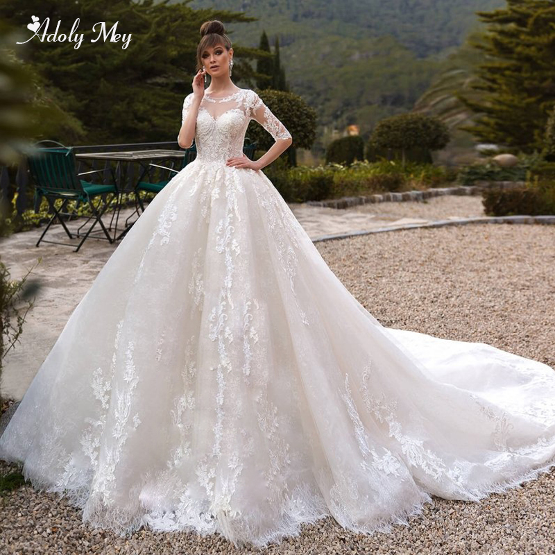 Adoly Mey Romantic Scoop Neck Half Sleeve A-Line Wedding Dresses 2020 Luxury Beaded Appliques Chapel Train Princess Bridal Gown