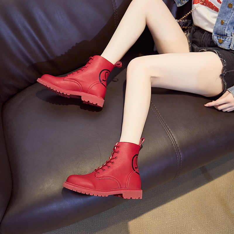 Retro İngiliz Sonbahar Kış hakiki deri motosiklet çizmeleri Kırmızı Beyaz Kar Askeri Çizmeler Düşük Topuk kadın Punk yarım çizmeler