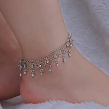 Женский пляжный браслет на ногу серебристого цвета с кристаллами