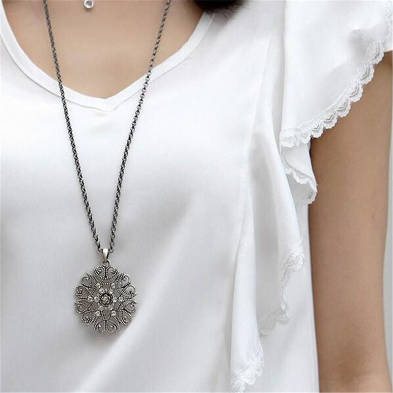 Bohemian Accessories Hollow Out Decorative Pattern Pendant Necklace Women's Sweater Chain Stall New Product