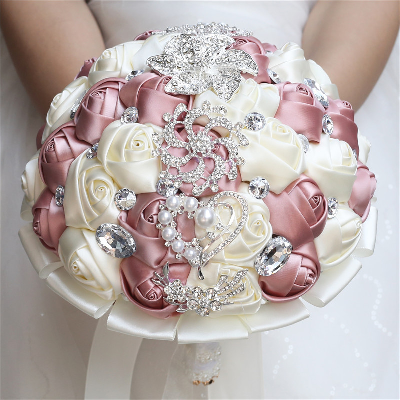 Купить с кэшбэком WIFELAI-A Artificial Wedding Bouquets Hand made Flower Rhinestone Bridesmaid Crystal Bridal Wedding Bouquet de mariage W228