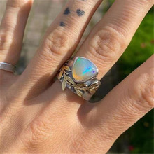 Modyle 2021 New Fashion Punk Vintage Flower Wedding Ring for Women Triangle Opal Geometry Engagement Ring Dropshipping