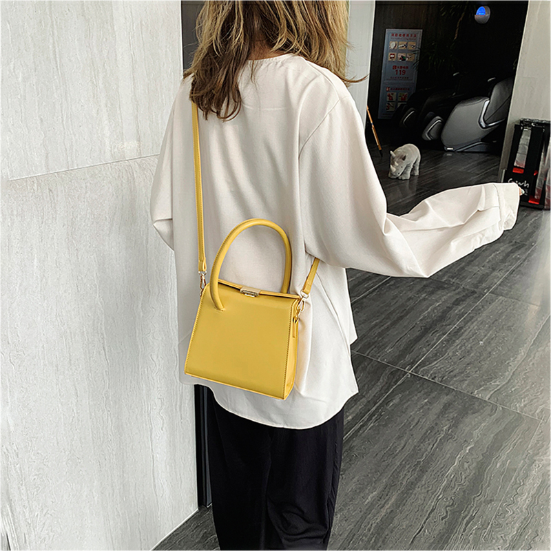 Fashion Style Shoulder Bag New Women 39 s Casual Messenger Bag Magic Design Retro Leather Youth Handbag Daily Portable Small Bag in Top Handle Bags from Luggage amp Bags