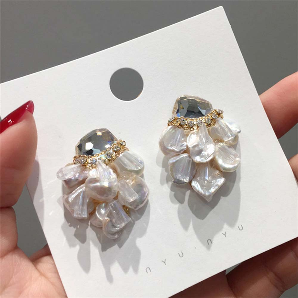 Japan Korean Earrings Handmade Simulated Pearl Stud Earrings For Women Shiny Crystal Jewelry Fashion Oorbellen 1 Pair