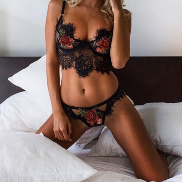 Sexy Hollow Out Lace Lingerie Set