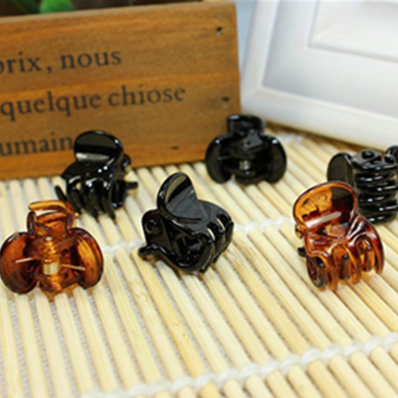 Fashion Women Crab Hair Claw Clip Girls Brown Black Plastic Mini Hairpin Claws Hair Clip Clamp For Women Creative Gifts Gifts