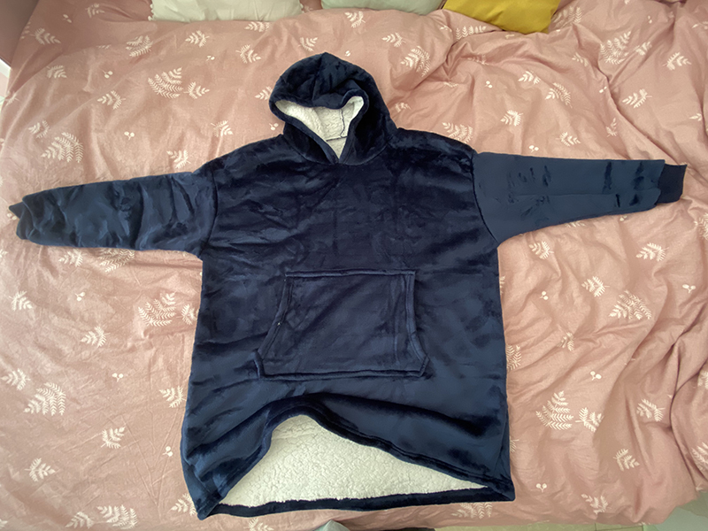 Winter Warm Comfy Hooded Pocket Blankets Adults Bathrobe Sofa TV Blanket Sweatshirt Solid Plush Coral Fleece Blankets Outwears 16