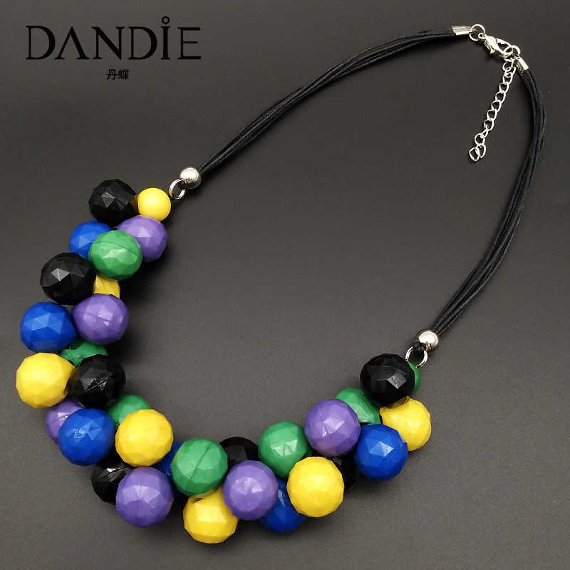 Dandie Fashion mixed color acrylic necklace, simple female accessories