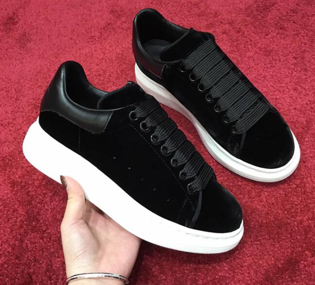 European Station 2020 New Heavy Bottom Outdoor Air-permeable Velvet Leather Luxurious Pairs Of Elevated Muffin Sports Shoes