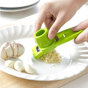 1PC Creative Garlic Presser Ginger Cutter Candy Color Grinding Tool Multi-function Magic Garlic Presses Cooking Gadgets Tool