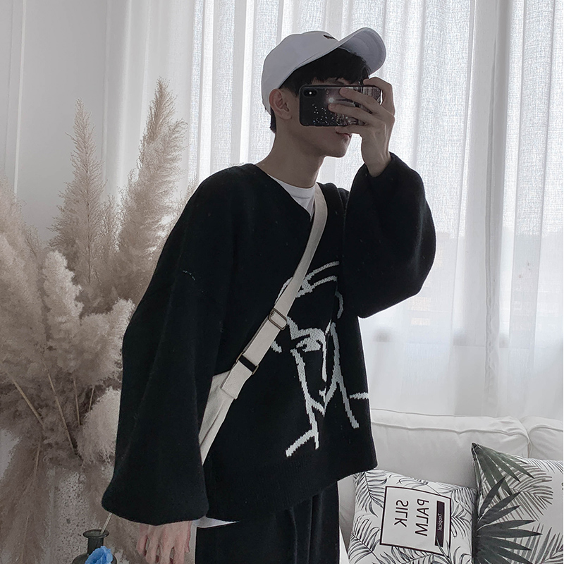 2019 Autumn And Winter New Youth V-neck Knit Fashion Sweater Male Loose Knit Casual Sweater Male