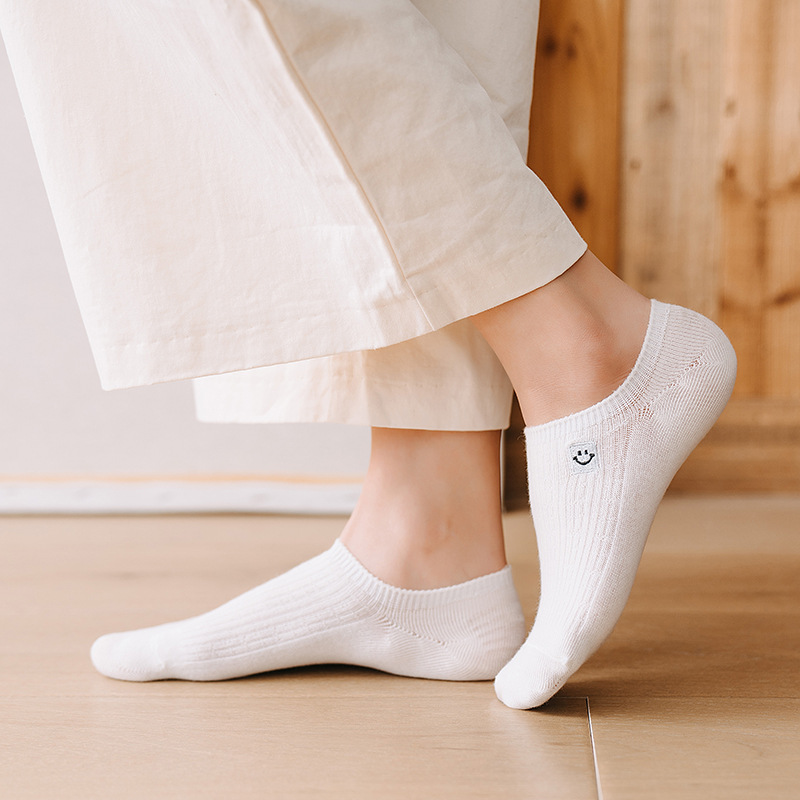 Dreamlikelin Summer Invisible Socks Smile Face Embroidery Solid Color Women Cotton Fashion Boat Socks