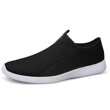 Men s Casual Shoes Fashion Mesh Light Man Sneakers Running Shoes Breathable Jogging Men Shoe Plus