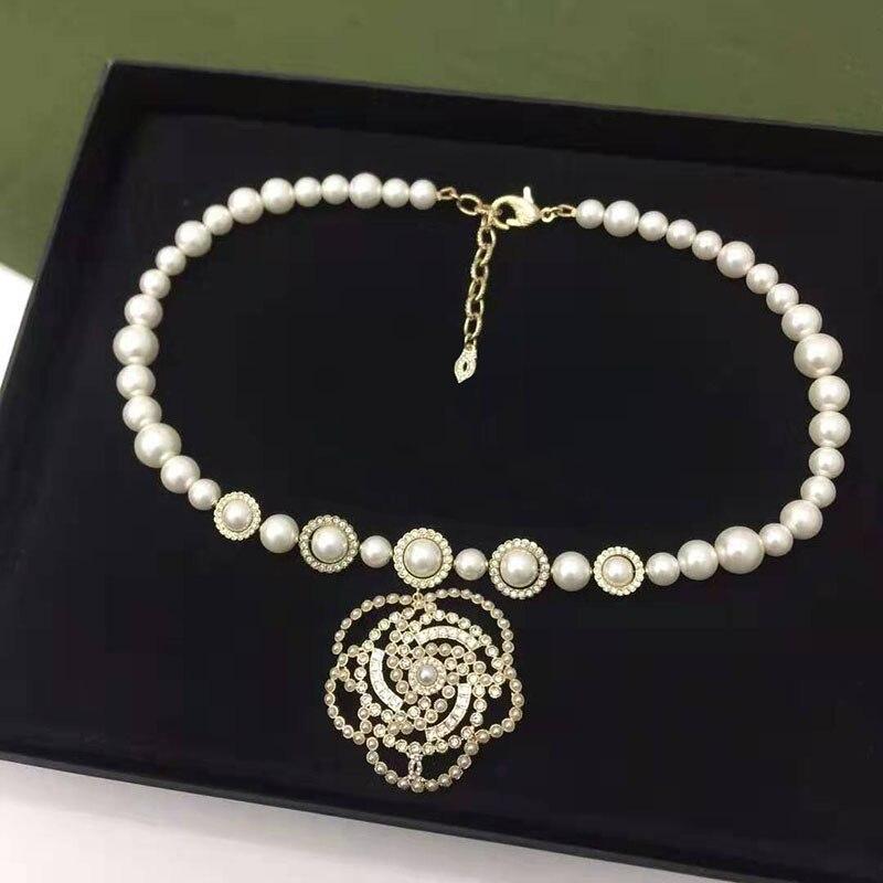 Perles perles chaîne collier creux camélia fleurs Long collier bijoux cadeau cc canal collier pour les femmes