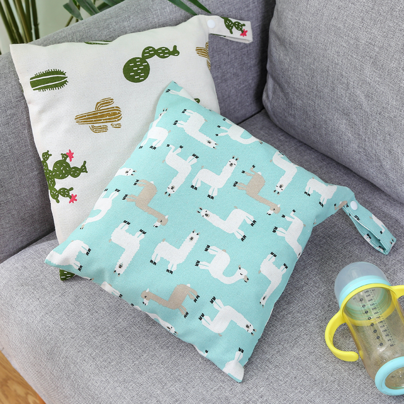 1PC Reusable Waterproof Fashion Prints Wet Dry Diaper Bag Nappy Changing Double Pocket Cloth Handle Wetbags 20*15*4 Cm Wholesale