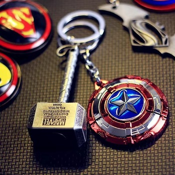 FOR YAMAHA lc135 majesty 125 250 400 mt03 mt07 2018 mt 09 tracer mt10 Motorcycle Keychain Captain America Batman Thor Keychain image