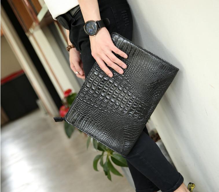 Classic Crocodile Pattern Men Thin Briefcase Business Bag Gentle Mens Elegant Vintage Style Leather Bags Bolso Hombre DF282