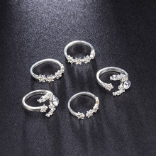 5Pcs/Set 2019 New Fashion Women Bohemia Rings Crystal Silver Star Flower Stackable Sparkly Rings Vintage Boho Jewelry(China)