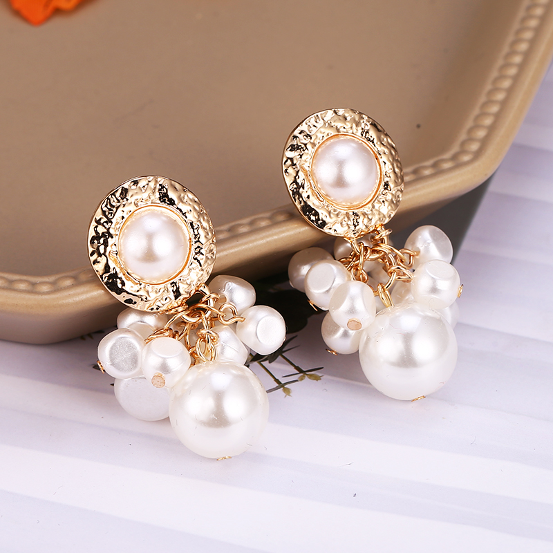2019 Simulated Pearl Dangle Earrings Korea Style Beaded Drop Earring Fashion Summber Sweet Jewelry Female Wedding Accessories in Drop Earrings from Jewelry Accessories