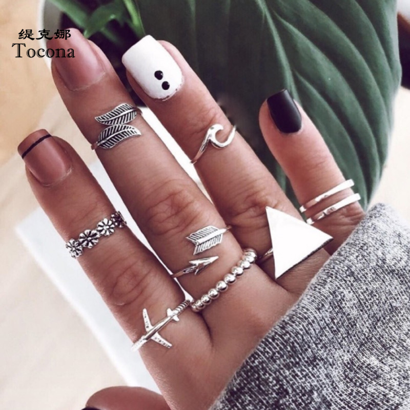 Tocona Vintage 8pcs/set Triangle Silver Color Rings for Women Men Leaves Airplane Arrow Flowers Wedding Rings Jewelry 9078 image