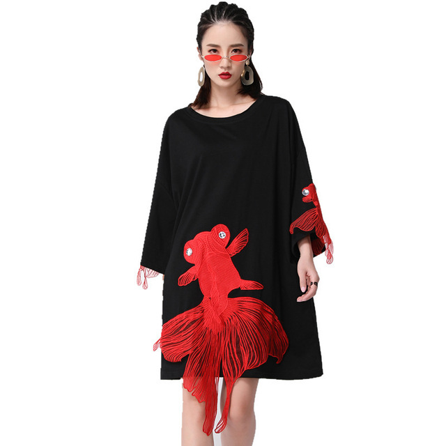 [EAM] 2021 New Spring  Summer Wrist Sleeve O Collar Fish Embroidery Pullover Women Fashion Tide Loose Knee-length Dress OA868 2