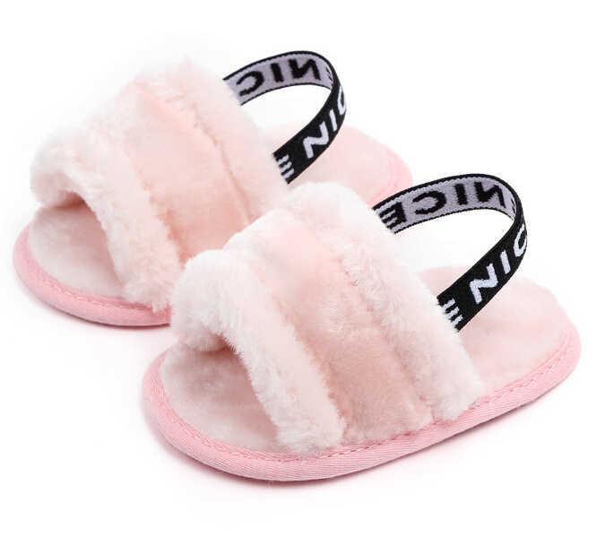 2019 do Inverno Do Bebê Quente Chinelo Fuzzy Macio Berço Sapatos Primeiros Caminhantes Meninos Das Meninas Do Bebê Carta Elástico Sólida Berço Carrinho De Bebê prewalker