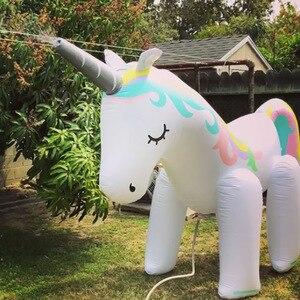 Image 2 - Al aire libre gigante unicornio aspersor juguetes de piscina para jardín de césped accesorios de fotografía de boda para niños adultos