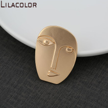 Fashion new creative art stereoscopic abstract art avatar cold atmosphere fog gold coat brooch chest flowe