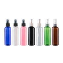 Garrafas vazias do pulverizador de 100ml x 50 para perfumes, recipiente claro do animal de estimação de 100cc com embalagem cosmética fina da garrafa do pulverizador da névoa da bomba do pulverizador