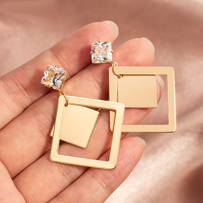 Vintage Unique Crystal Gold Metal Triangle Drop Earrings for Women Trendy Geometric Statement 2020 New Party Accessories