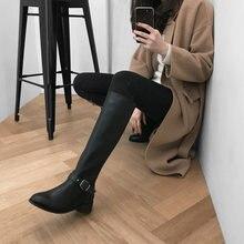 Женские кожаные сапоги до колена черные на высоком каблуке 4
