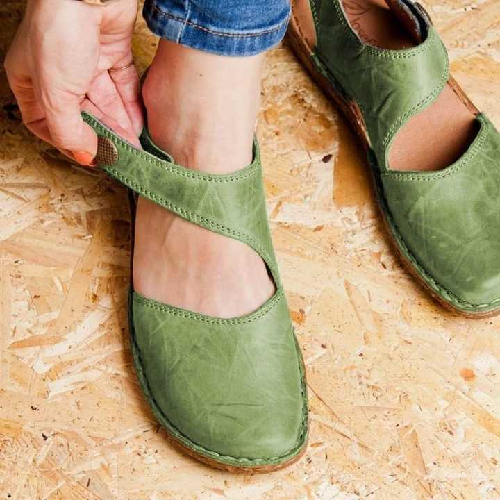 Musim Panas Fashion Wanita Sandal Retro Datar Sandal Wanita Galdiator Sepatu Wanita Sepatu Kasual Lembut Flats Sepatu