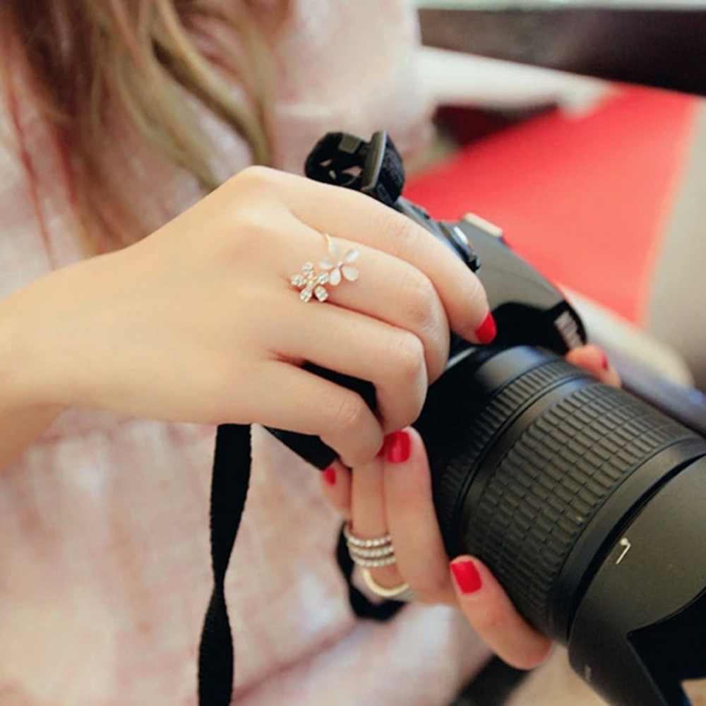 Charms ดอกไม้เปิดแหวนผู้หญิง Rhinestone งานแต่งงานแหวนนิ้วมือเครื่องประดับนิ้วมือ